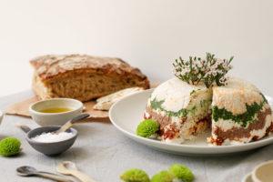 אפשר לאכול בליווי לחם או קרקרים. מנה מושלמת לאירוח