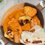 צ'יקן טיקה מסאלה – תבשיל הודי של עוף ברוטב עגבניות קרמי