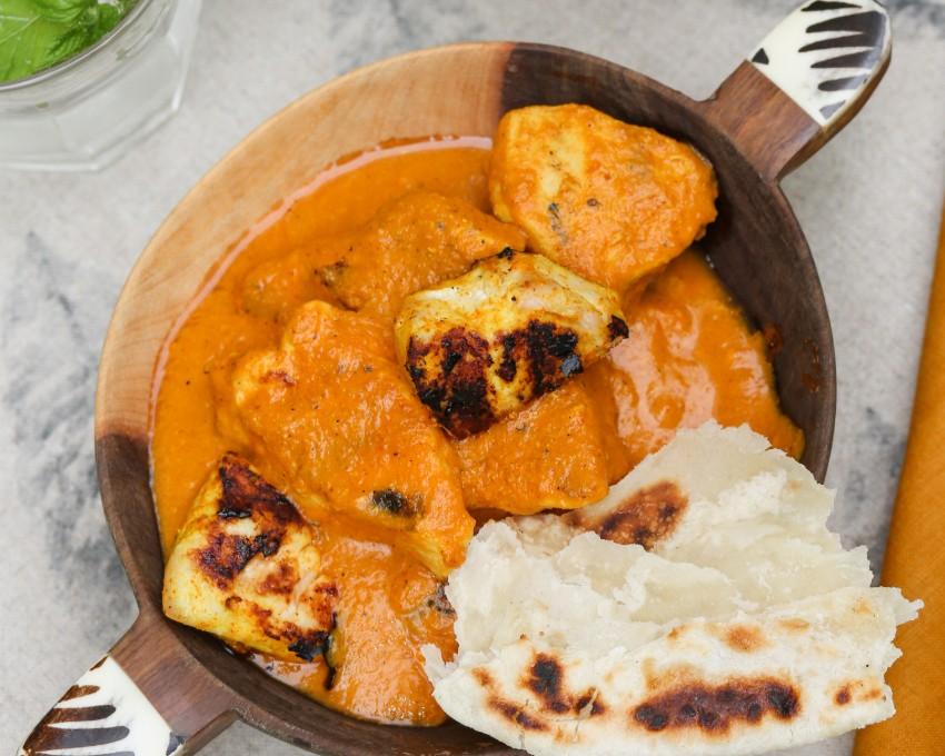 צ'יקן טיקה מסאלה - תבשיל הודי של עוף ברוטב עגבניות קרמי