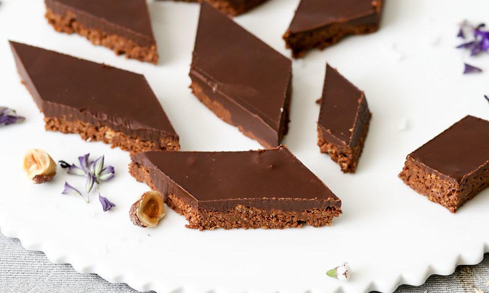 פרלינים של שוקולד מריר ונוגט