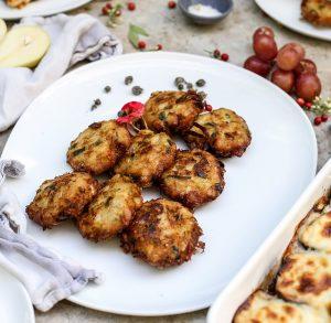קציצות פרסה הן מנה ראשונה נפלאה בתכנון תפריט ארוחה יוונית