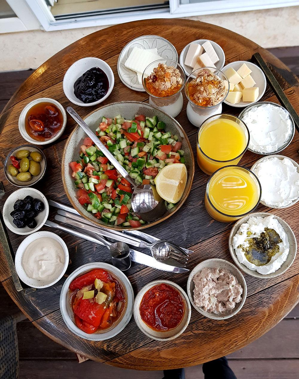 ארוחת בוקר בצימר תמר וגפן
