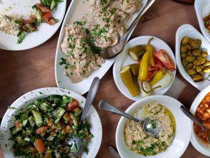 חלום שלי לאכול ככה כל צהריים. חומוס אלחיאט