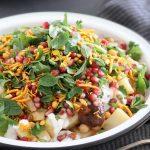 אלו צ'אט – סלט תפוחי אדמה הודי עם חומוס ורימונים