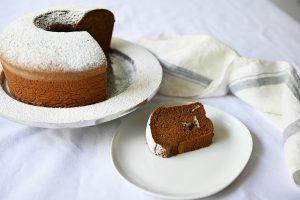 כל כך הרבה סוגי עוגות דבש בעולם. עוגת דבש אוורירית במיוחד (צילום: אהובה שורצברד)