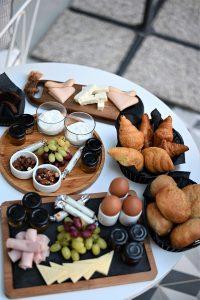 ארוחת הבוקר בחדר המלון. תשומת לב לפרטים הקטנים (צילום: אהובה שורצברד)